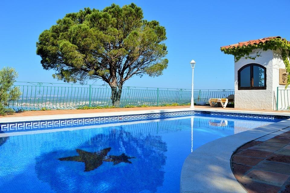 s-o-s-habitat.fr__Zoom sur les étapes fondamentales pour construire une piscine